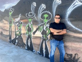 Steven Cambian - The Ufo report with Jeremy D McGowan Jeremy-Alien-Painting-285x214